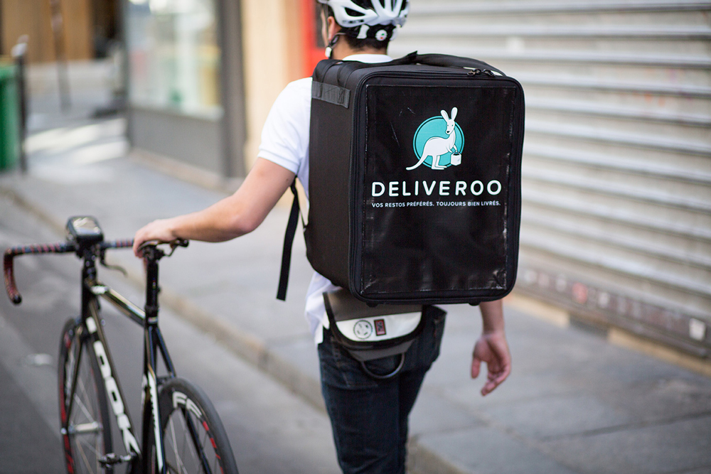 Restaurant delivery app Deliveroo launches with free cupcake
