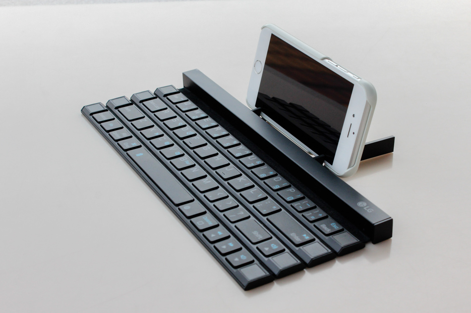 LG Rolly teclado Bluetooth portátil para uso de smartphones e tablets