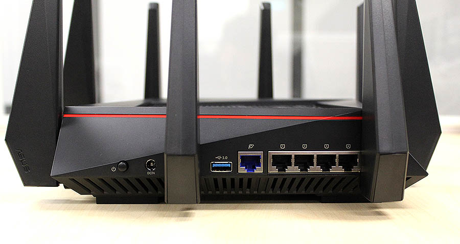 Despite the RT-AC5300 router's size, it only has the usual single Gigabit Ethernet WAN port and four Gigabit Ethernet LAN ports. Note also that there are no LED indicators on the LAN ports.