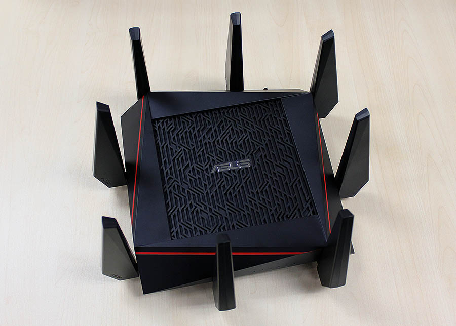 Yup, the ASUS RT-AC5300 has 8 external antennas. Go ahead and count them.