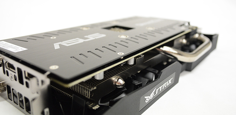 Like most other custom cards today, the ASUS Strix Radeon R9 380X is tricked out in the usual accoutrements like a custom cooler and metal backplate.