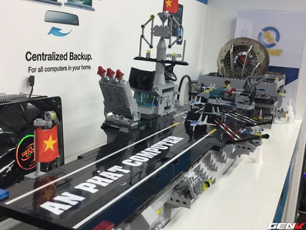 this huge lego aircraft carrier is really a computer hardwarezone
