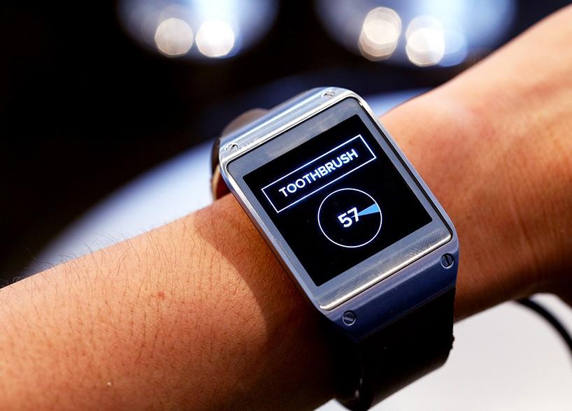 Hasil gambar untuk smartwatch disney
