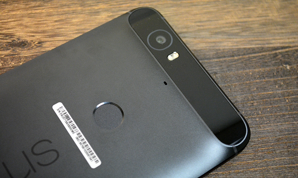 The Nexus Imprint fingerprint sensor is located at the back of the phone.