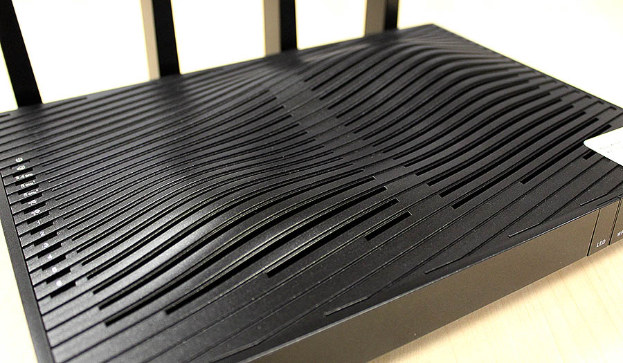 The Nighthawk X8 is much more plain looking save for these strange undulating wavy patterns on the top panel.