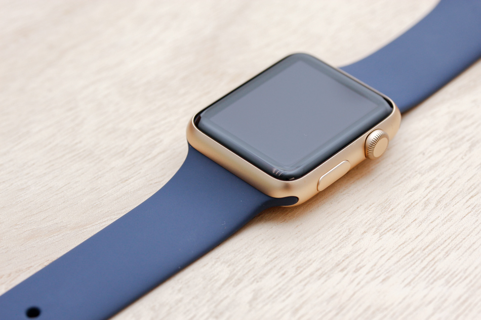 Apple Watch Sport Gold Case with 14 bands : This is what