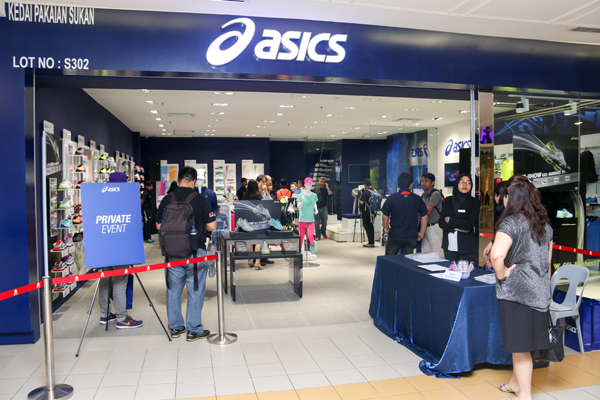 b25ff3208d9 ASICS launches specialty store in One Utama - HardwareZone.com.my