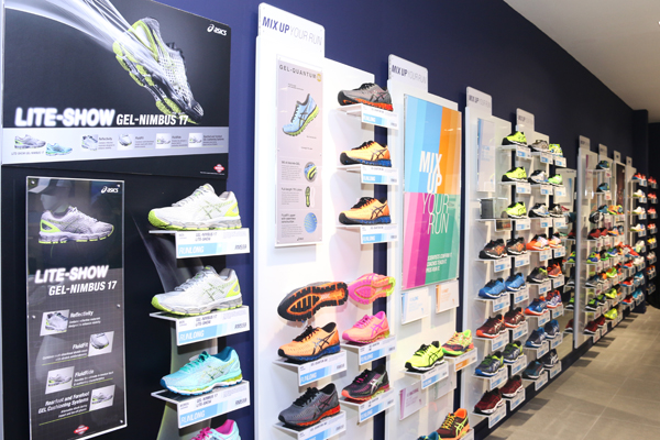 a03c515d5ca The ASICS store is open throughout the entire week from 10am to 10pm