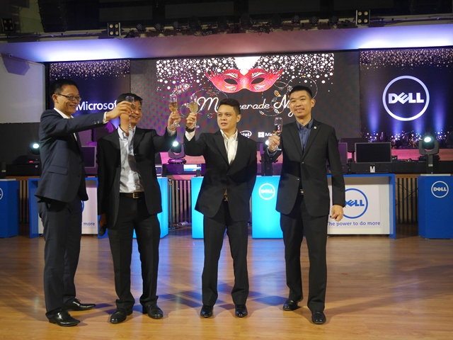 From L - R: Phillip Wu, Group Head, Enterprise Solutions of Dell South Asia Developing Market Group (SADMG) in Indonesia and Philippines; Chue Chee Wei, Managing Director, Dell Malaysia, Singapore, Indonesia and Philippines; Christopher Papa, Country Manager, Dell Philippines; and Christopher Choong, Brand Manager, Dell South Asia.