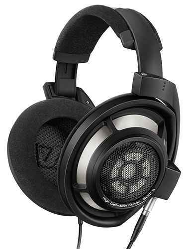 The HD 800 S looks hardly unchanged from the original.