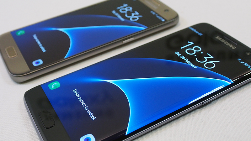 Samsung Galaxy S7 (back) and Samsung Galaxy S7 edge (front)