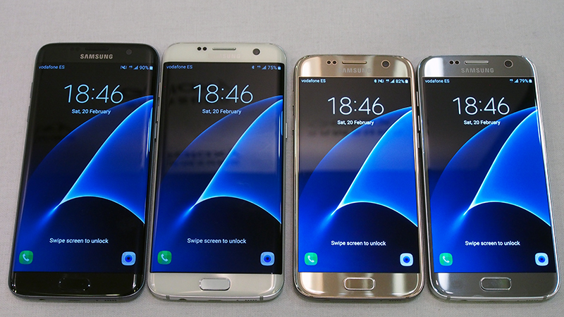 Samsung Galaxy S7 edge (left) and Samsung Galaxy S7 (right)