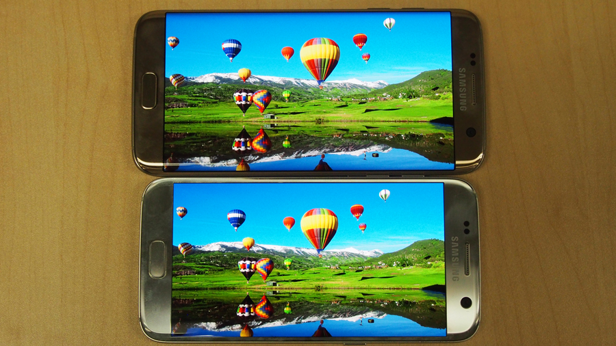Samsung Galaxy S7 Edge (top), Samsung Galaxy S7 (bottom).