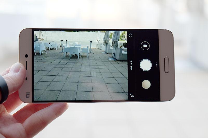 Xiaomi Mi 5 camera UI