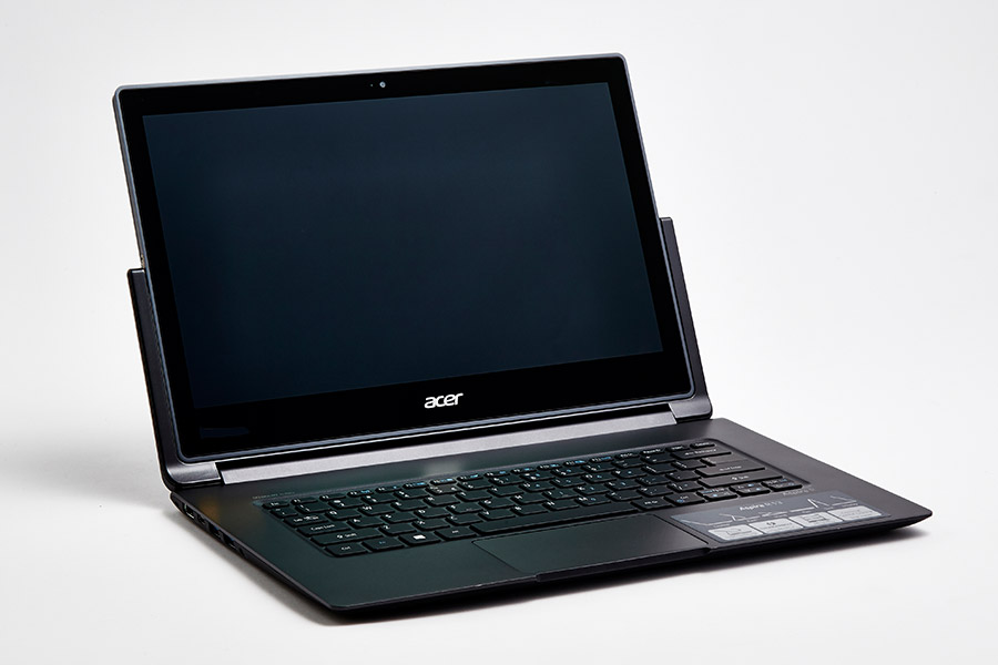 Acer Aspire R13 front