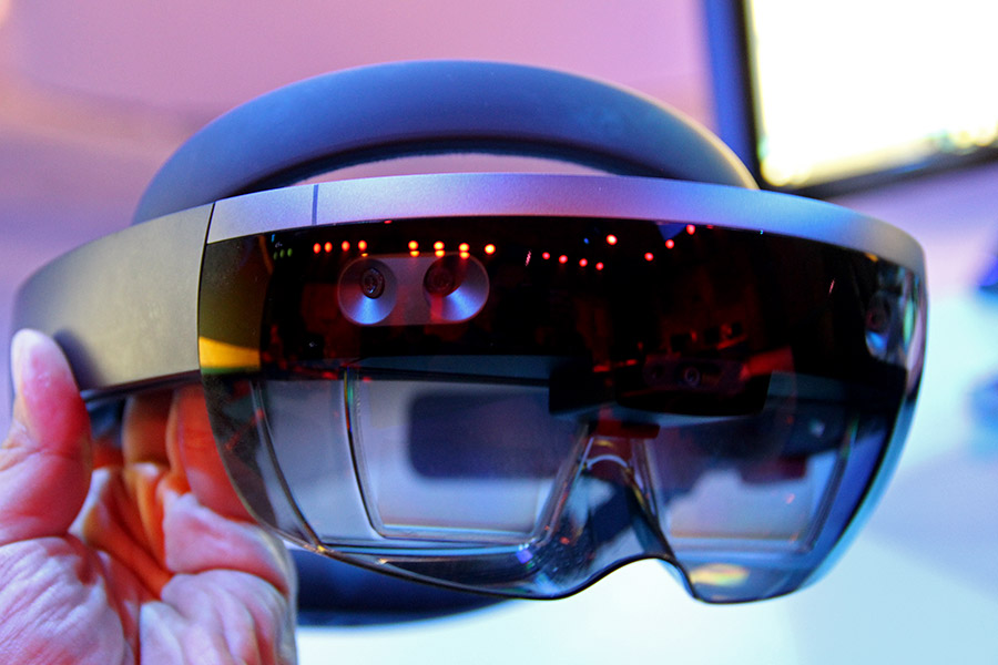 Hands-on (again) with the Microsoft HoloLens (Update: now available