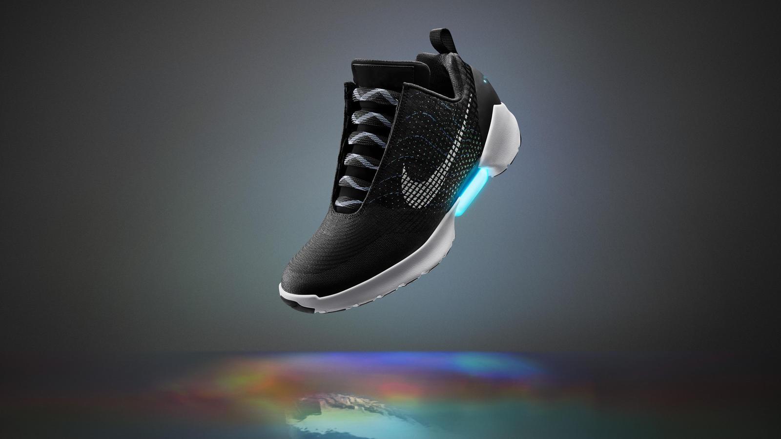 nike power lacing shoe