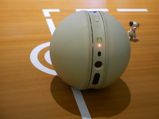 The LG Rolling Bot is a cool companion device that rolls like a ball while capturing images and videos with its embedded 8-megapixel camera.