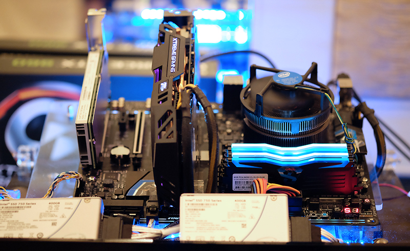 This is the set up that's running three Intel 750 series SSDs.