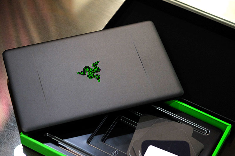 Razer Blade Stealth box