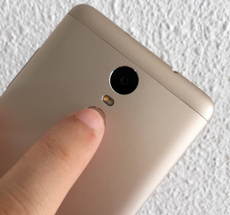 The only downside of the fingerprint sensor on the Xiaomi Redmi Note 3 is its location.
