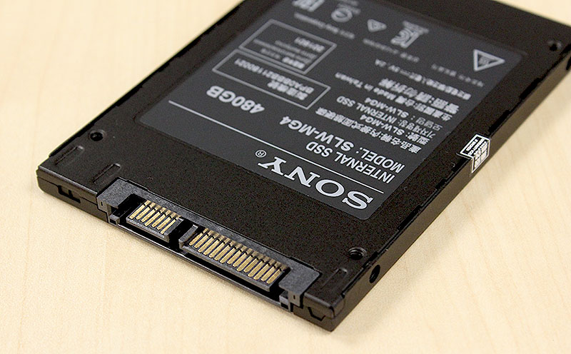 Like the other two drives here, the Sony SLW-M SSD also supports SATA 6Gbps.