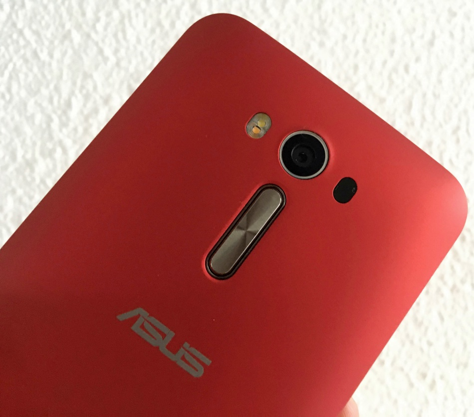Promo Asus Zenfone 2 Serious Bang For Your Buck Crybytes Terbaru Seagate Backup Plus Portable Hdd Eksternal5tb 25inch Usb30 Merah Free Pouch Pen Laser Ze550kl Review A On Budget The