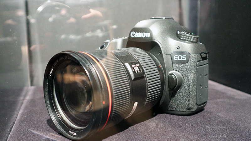 A concept camera with a 120MP high-resolution sensor.