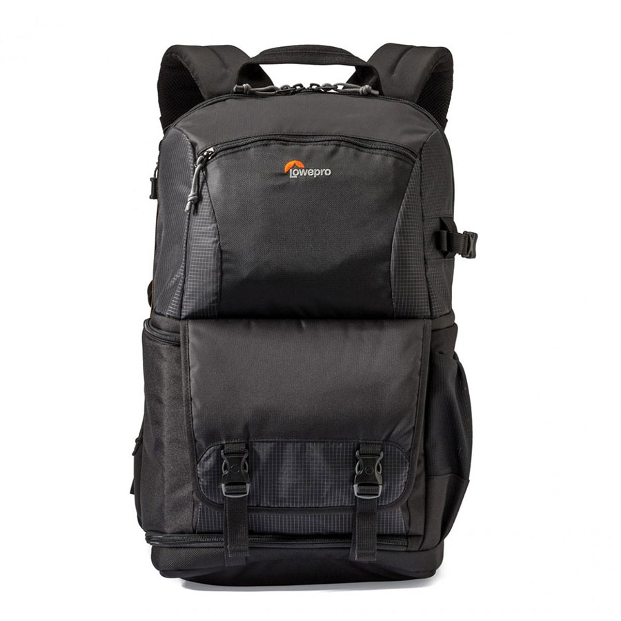 Review  The Lowepro Fastpack BP 250 AW II is a bag for your camera and  personal gear - HardwareZone.com.sg 6e59401b03948