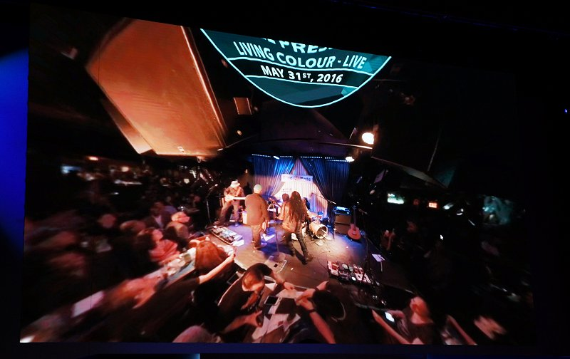 Intel even demoed a live 4K 360-video streaming from a music club at the press conference - powered by the new Intel Xeon E3-1500 v5 processor with Iris Pro Graphics.