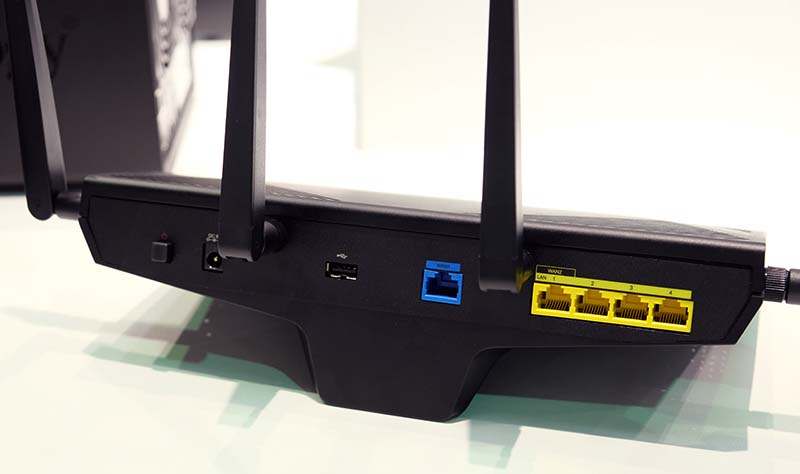 Behind, there's a USB 2.0 port, a single Gigabit Ethernet WAN port and four Gigabit Ethernet LAN ports.