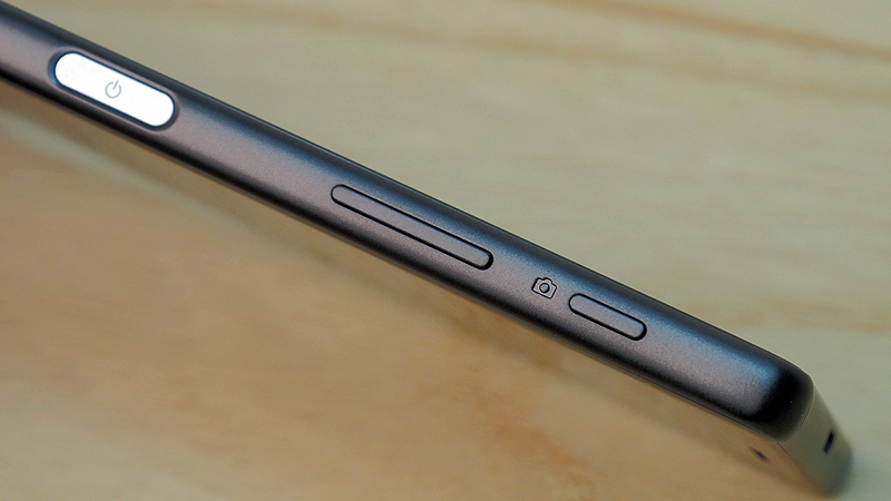 The Xperia X is 7.9mm thin, which is barely thicker than the Z5 Premium.