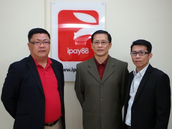 (From L-R): Chan Kok Long and Lim Kok Hing, Executive Directors and Co- Founders of iPay88 Sdn Bhd; and Chong Lee Kean, Business Development Director and Co-Founder of iPay88 Sdn Bhd.