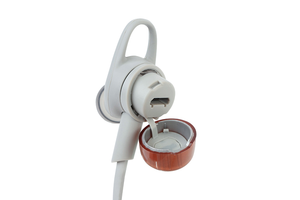 The charging port of the Plantronics BackBeat GO 3 is tucked away behind a cover on its right earpiece.