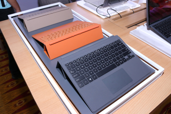 With the Transformer 3 and Transformer Pro 3, you have a choice between keyboard covers.