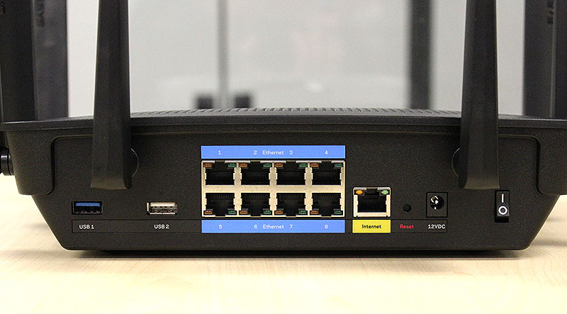 The EA9500 router provides users with not 4, but 8 Gigabit Ethernet ports! There's also a USB 3.0 and another USB 2.0 port.