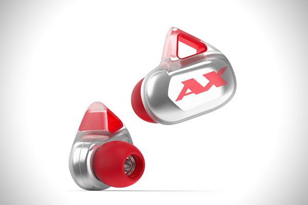 The successfully crowdfunded Axum Gear is a premium set of wireless earbuds that is targeted towards athletes who want to listen to crisp audio to spur them towards greater achievements. <br> Image source: Hiconsumption.com