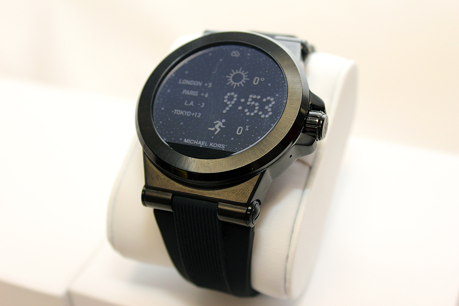 in pictures michael kors access the glamorized android wear smartwatch. Black Bedroom Furniture Sets. Home Design Ideas