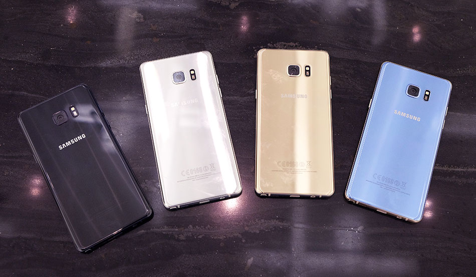 The Note7 Will Be Available In Four Colors Onyx Black Titanium Silver Gold Platinum And Coral Blue Unfortunately Not At