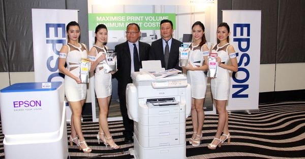 L-R: Ho Hean Chew, Product Manager Business Management Sales and Marketing Division at Epson Malaysia and Danny Lee, General Manager Sales and Marketing Division Epson Malaysia.