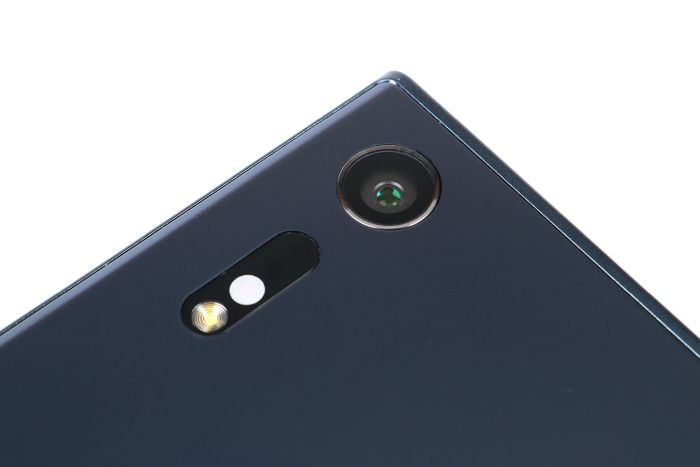 The crowning glory of the Xperia XZ: the 23MP main camera, with its new triple image sensing technology.