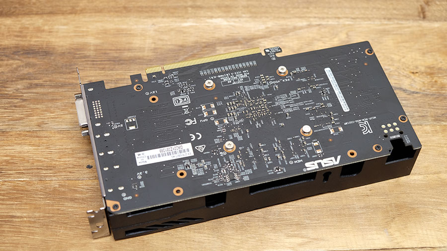 There's no backplate on this card.