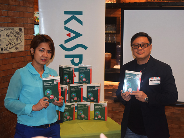 Marilen Young (left), Consumer Sales and Marketing Manager at  iSecure Networks and Anthony Chua (right), Kaspersky Lab Southeast Asia Business Development Manager for Philippines and Singapore