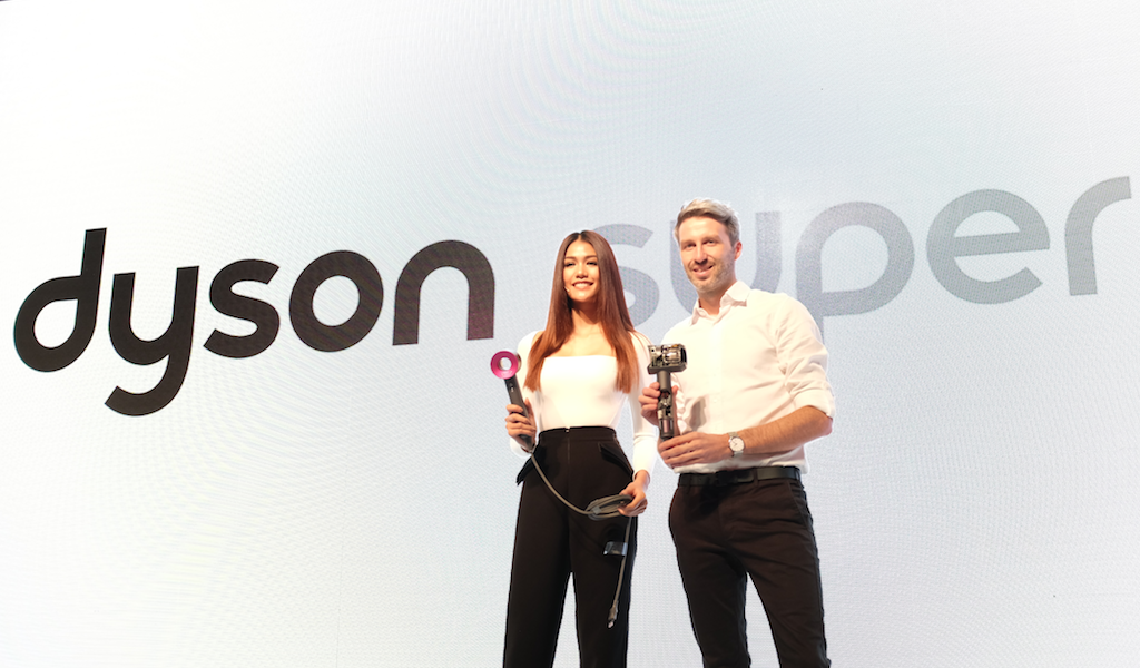 Nat Aniporn, Miss Universe Thailand 2015 and Graeme McPherson, Head of Haircare Product Development, Dyson Singapore and Malaysia.