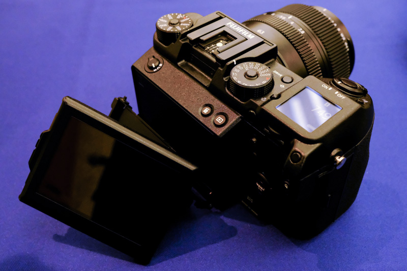 You can tilt the rear LCD 3 ways, just like the X-T2.