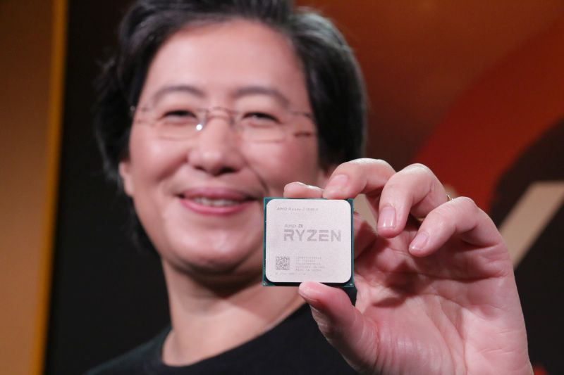 Behold, the AMD Ryzen 7 1800X - the company's first top-of-the-line CPU to be made based on a new 14nm lithography!