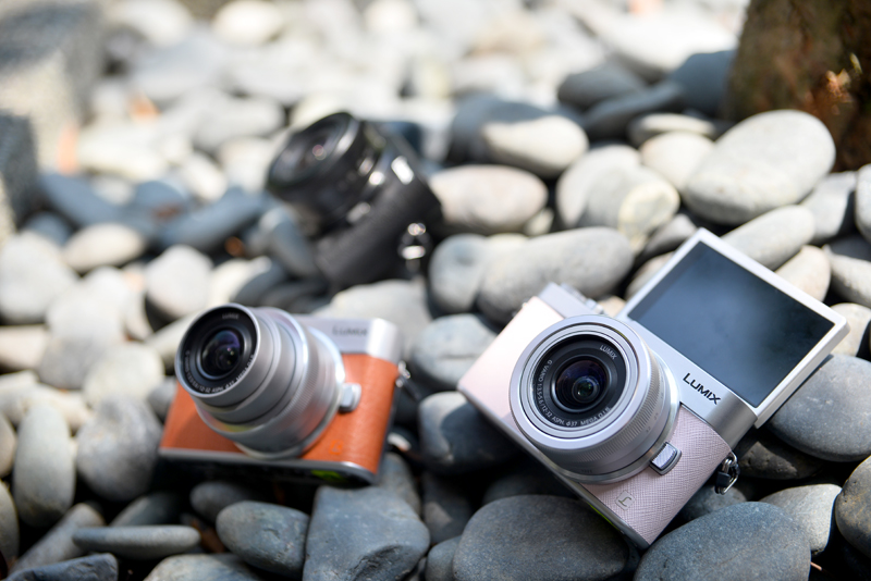 The Panasonic LUMIX GF9 is available in silver, black, orange and pink.