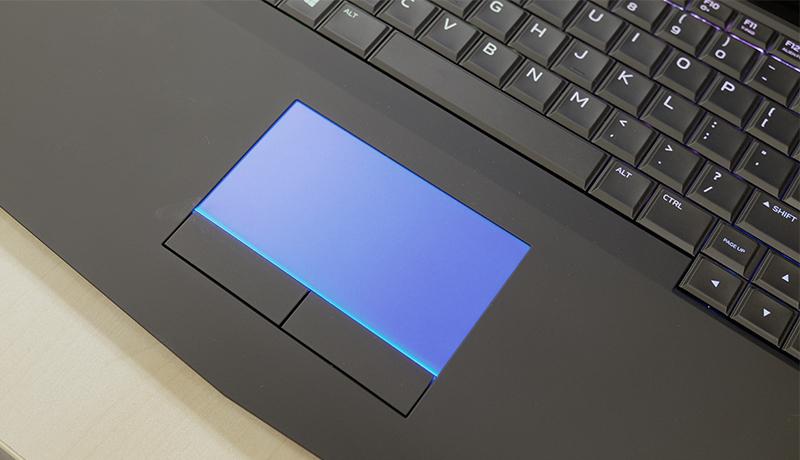 Alienware 15 trackpad