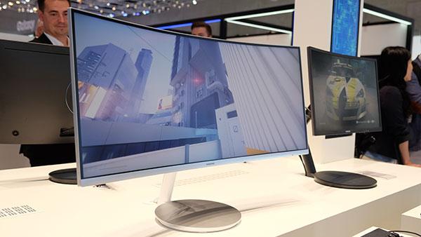 Samsung CF791, as seen at IFA 2016.