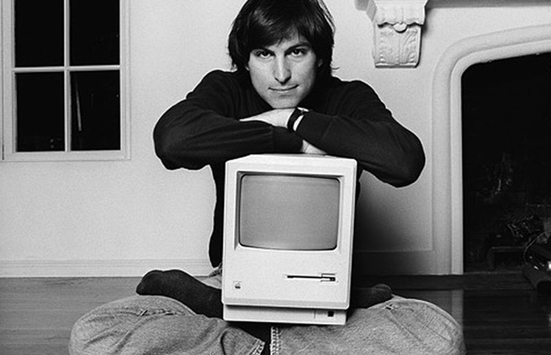 One Of The Most Iconic Photos Steve Jobs Is That Him Sitting Down In His Living Room With A Mac On Lap